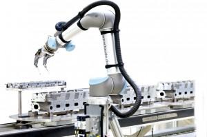 UR5_Faude_VW_UniversalRobots_01-