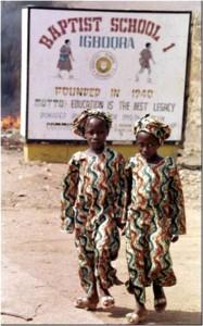 98b (Nigeria-family-twins-10579)