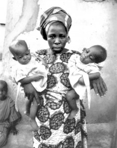 98c (Yoruba_woman_holding_twins)
