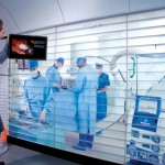 Röntgenaufnahmen während der Operation - Innovative Medizintechnik in Wagen 7 / X-rays During Surgery - Innovative Medical Technology in Car 7