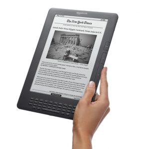 Kindle-DX-graphite-Angle-Hand