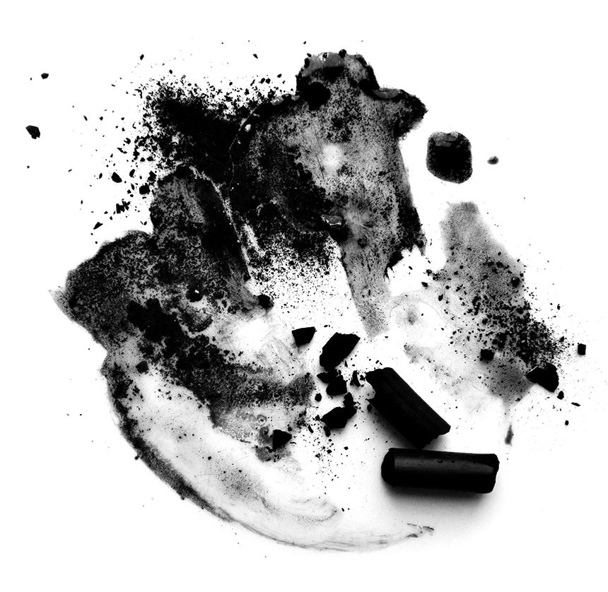 الأبيض والأسود مجلة القافلة