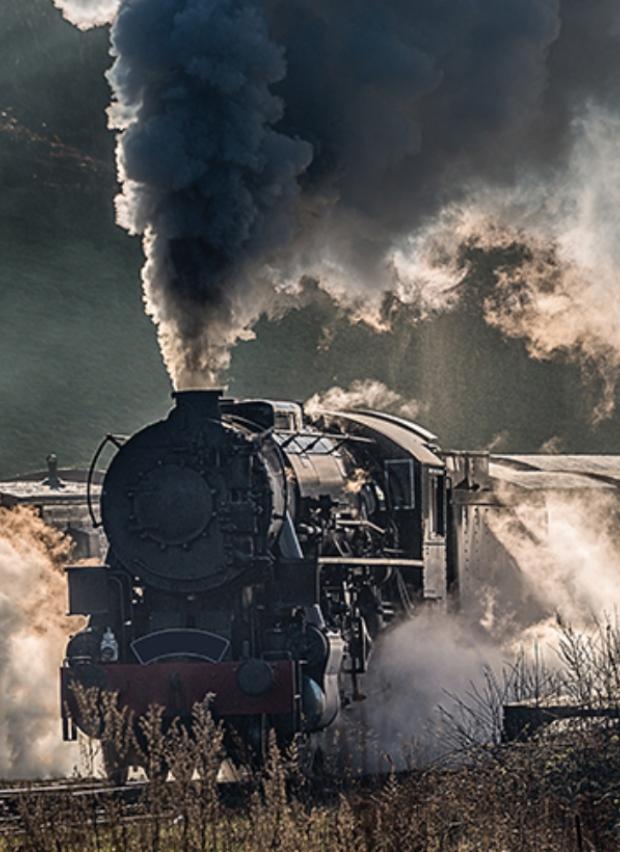 القطار مجلة القافلة